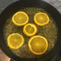 Tambahkan irisan jeruk sunkist